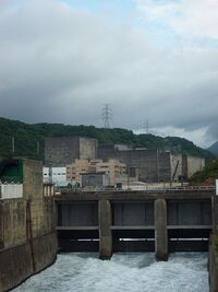 Chin-shan Nuclear Power Plant-canal and containment building-P1020609