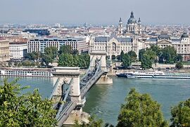 Kettenbrücke St.-Stephans-Basilika Budapest September 2013