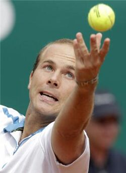 Olivier-Rochus-outlasts-Go-Soeda-in-the-first-round-Hall-of-Fame-Tennis-Championships-2012-169725