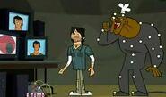 TDA Chef mostro animatronico guarda Justin