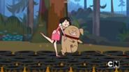 Ella balla con il maiale