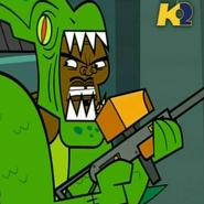 Chef con costume Alieno e pistola vernice
