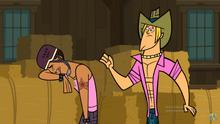 Brody si dispera per la sua incapacità di cavalcare il toro meccanico