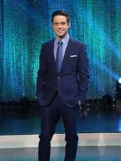 Kevin Manno Host