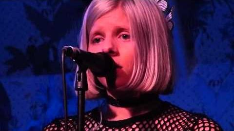 Aurora - Life On Mars (David Bowie) live the Deaf Institute, Manchester 01-02-16
