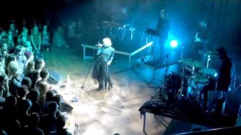 Aurora -.Onder the Water - Live @TivoliVredenburg Utrecht