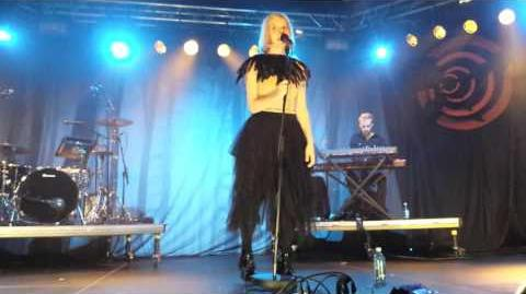 Aurora - Life on Mars - David Bowie cover - live at Eurosonic festival