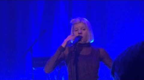 Aurora - Is There Life on Mars? (David Bowie cover) - Live at Tivoli
