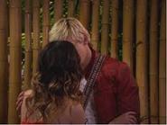 Auslly kiss2