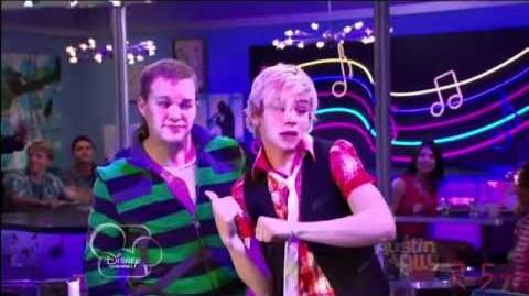 Ross Lynch (Austin Moon)- Heartbeat Beat - Music Video