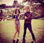 Laura Marano and Ross Lynch4