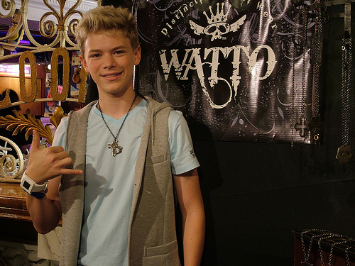 File:Kenton Duty of Shake it Up &Lost with Texas chain.jpg