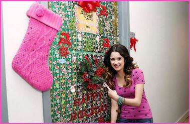 Austin-And-Ally-Laura-Marano-Holiday-Door-Decoration