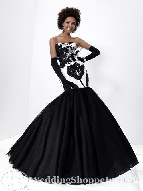Image - Black and white black skirt and gloves long prom dress.jpg ...
