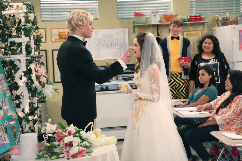 Wedding Bells & Wacky Birds | Austin & Ally Wiki | FANDOM powered by ...