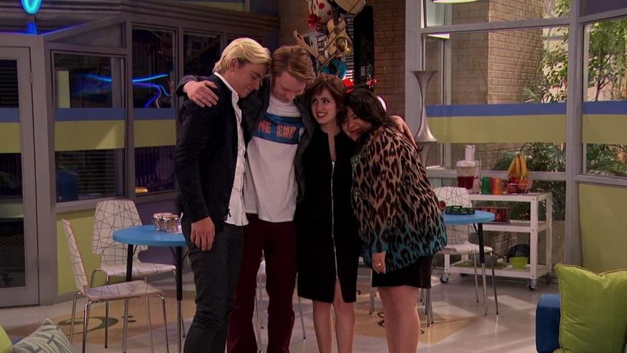 Austin und ally trish und dez-Dating
