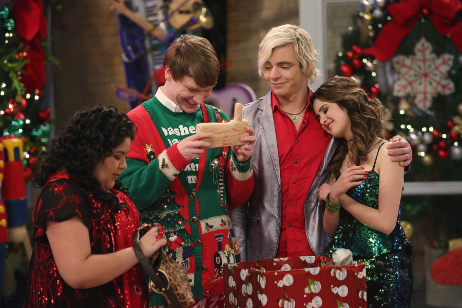 A Perfect Christmas Cast.Santas Surprises Austin Ally Wiki Fandom Powered By