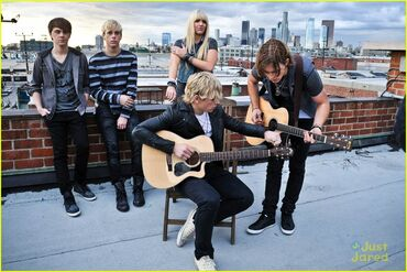 Ross-lynch-r5-loud-video-04