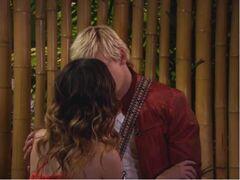 AUSLLY kiss
