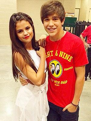 File:Selena-austin-300.jpg