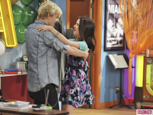File:Austin-ally-club-owners-quinceaneras-600x450.jpg