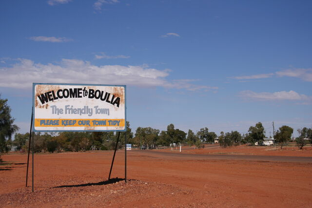 File:Boulia Friendly Town.jpg
