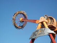 The Claw swing (Dreamworld)