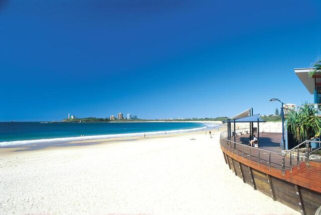 File:Mooloolaba-beach-1208.jpg