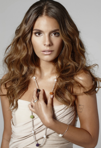 File:Caitlin Stasey.png
