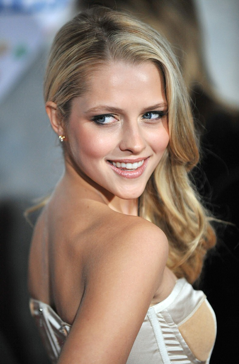 Teresa Palmer Nude Photos 6