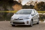 2010-Toyota-Prius-3