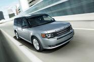 2011-Ford-Flex-Titanium-2