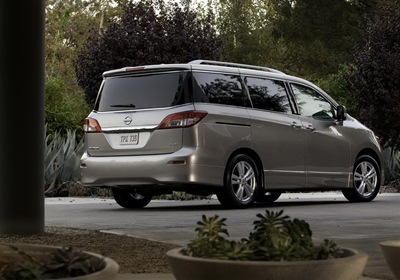 2011-Nissan-Quest-23small