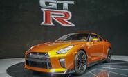 2017-Nissan-GT-R12