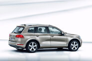 2011-Volkswagen-Touareg-14454
