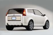 2004-Ford-Faction-Concept-Rear