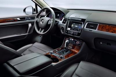 2011-Volkswagen-Touareg-14448small