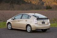 2010-Toyota-Prius-2