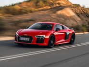 News-2017-r8-coupe-v10-plus-3