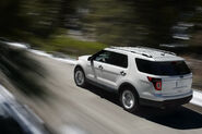 2011-Ford-Explorer-SUV-121