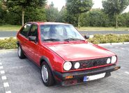 1024px-Polo 2 G40 Front