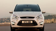 2010-Ford-S-MAX-4