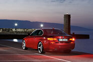 2011-BMW-3-Series-Coupe-Convertible-66