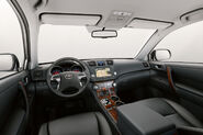2011-Toyota-Highlander-Carscoop-4