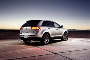 2011-Lincoln-MKX-47