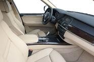 2011-BMW-X5-43