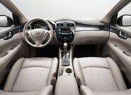 Nissan-tiida 2012 7