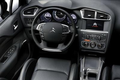 2011-Citroen-C4-13small