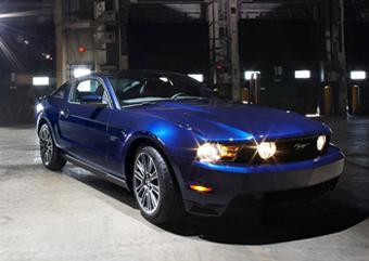 2010-Ford-Mustang-17main