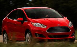 Ford-Fiesta Sedan 2014 800x600 wallpaper 06